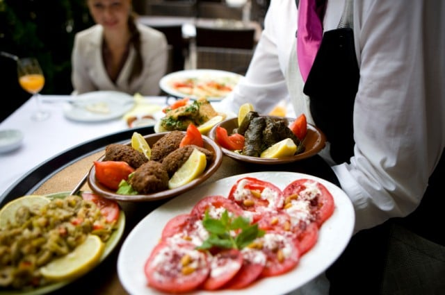Hospitality 640x425 - 3 Ways Your Staff Is Stealing From Your Restaurant
